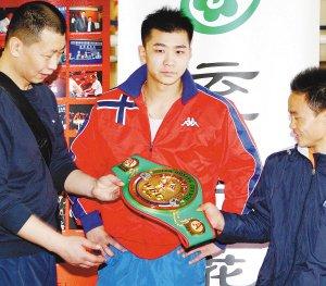 中日泰拳手周日昆明打擂 八拳手争四条金腰带