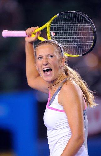 阿扎伦卡送蛋逆转兹娃 首进澳网八强将战小威