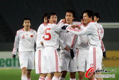 中国男足3-0完胜韩国 打破32年逢韩不胜魔咒