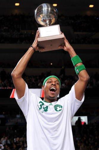 皮尔斯荣膺三分大赛冠军
