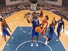 组图:NBA全明星正赛 纳什妙传指点西部江山