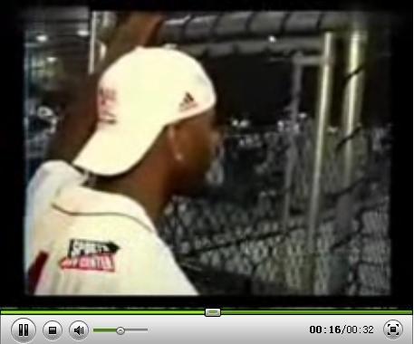 视频:麦蒂教V领美女打球 直接证明胸大无脑