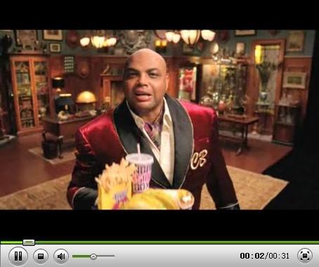 视频:巴克利当服务员 与奥多姆推销垃圾食品