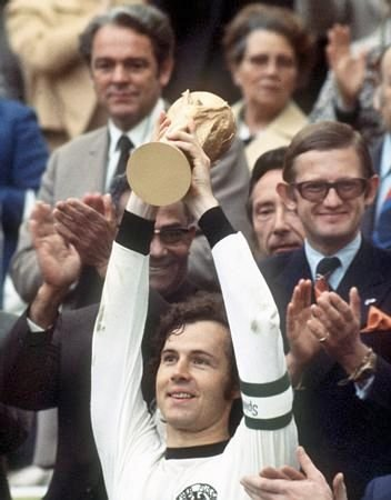世界杯百大球星之四 德国丰碑 足球皇帝贝肯鲍尔
