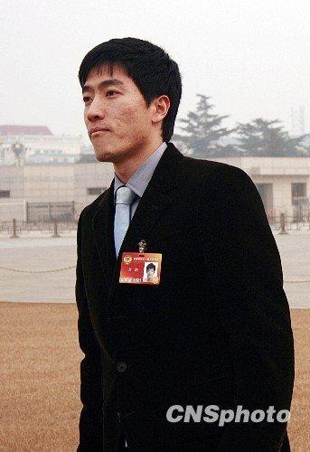 刘翔亲笔提交第二份提案 建议国家重视田径