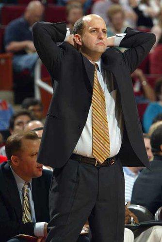 76人不续约主帅 火箭前教练范甘迪或执教费城