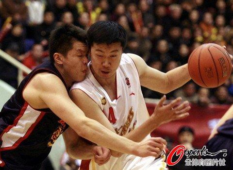 朱芳雨率六将得分上双 广东再击溃八一赢赛点