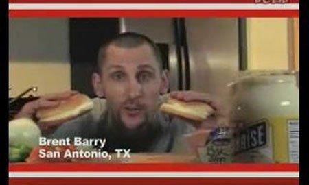 视频:布伦特巴里一人饰两角变身HEB汉堡