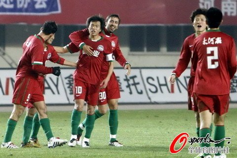 河南2-0轻取重庆 肖智建功力帆外援献乌龙