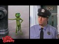视频:大卫李上演搞笑警匪片 与昆虫分享饼干