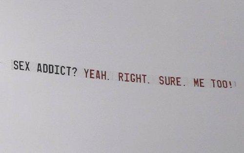 涮伍兹不惜花大手笔 雇飞机打横幅嘲笑老虎