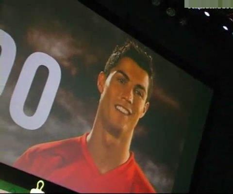 C罗带球绕桩速度超快 称百米胜博尔特(视频)