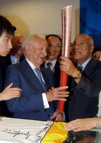 萨马兰奇力挺北京奥运会 不应怀有政治目的
