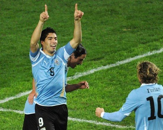 苏亚雷斯堪称秘鲁克星 2场3球率乌拉圭进决赛
