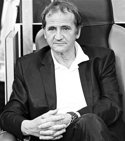 中女足都将由法国教练统帅 18日上任曾创法女足历史