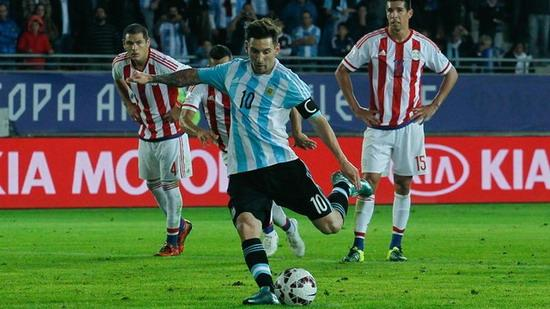 Paraguay 2-2 Argentina: Messi penalty to break