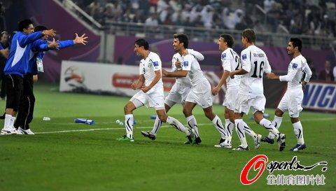 亚洲杯-卡塔尔0-2乌兹 30米世界波+失误大礼