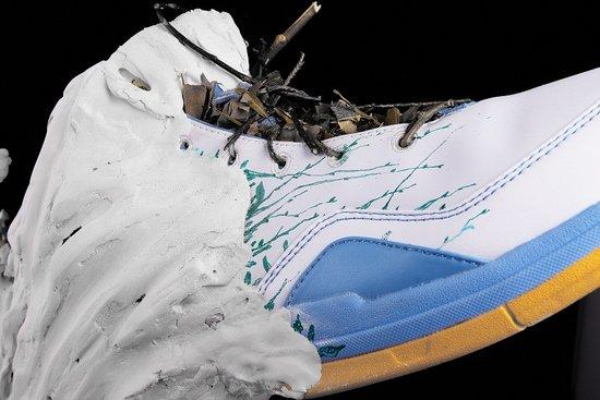 匹克巴蒂尔六代创意篮球鞋之蜕(图)