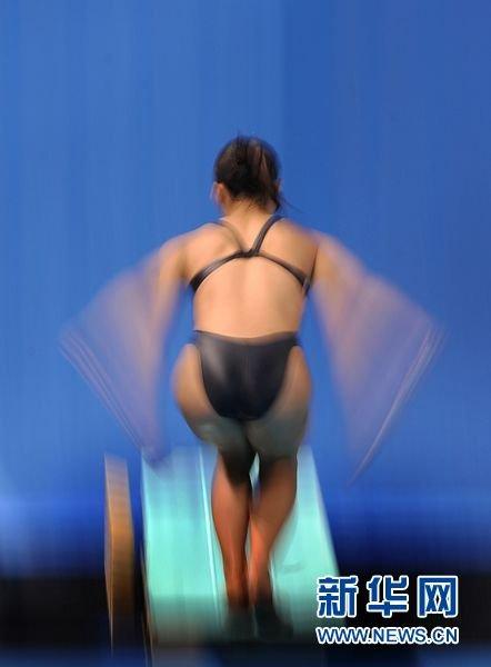 中国队包揽女子3米板金银牌 何姿轻松夺冠