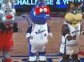视频:全明星新秀赛 可爱吉祥物献上霹雳舞