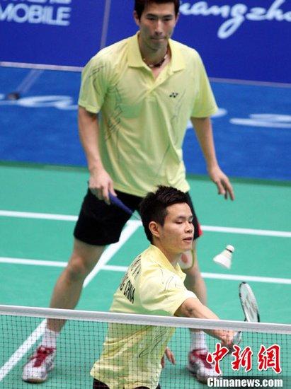 图文:羽毛球男双首轮 香港选手轻松晋级