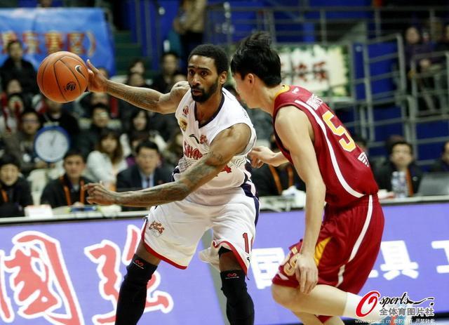刘炜21+8+5杜比砍34分 上海复仇浙江进季后赛