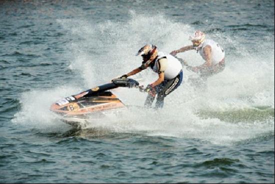 世界水上极速大赛十一开赛 缔造中国柳州传奇