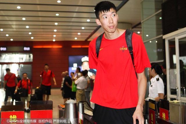 中国19岁天才被NBA看好 稳居模拟选秀乐透区