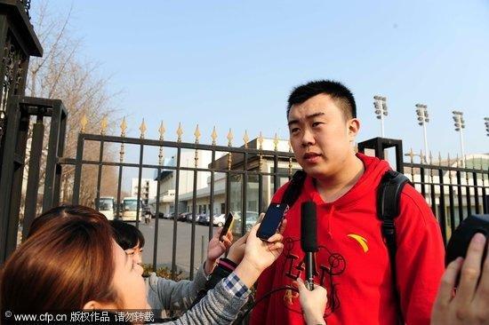 韩德君:希望在国家队证明自己 上场必须扣篮