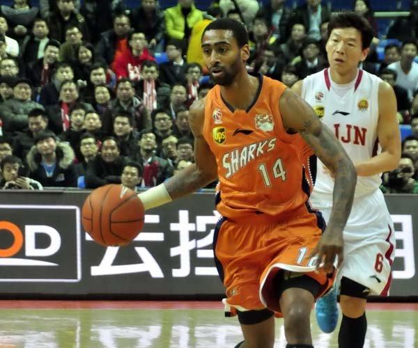 上海险演逆转负浙江终结三连胜 杜比空砍42分