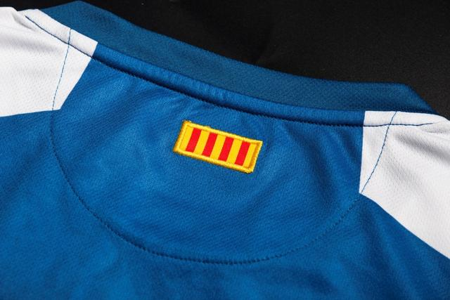 西甲第二大球衣赞助商KELME发布西班牙人新球衣
