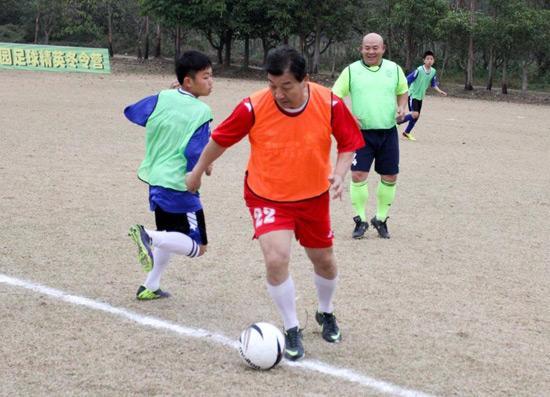 魏吉祥:通过校园足球 提高青少年综合素质