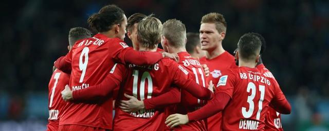 德甲综述-莱比锡6连胜登顶 拜仁遭遇赛季首败