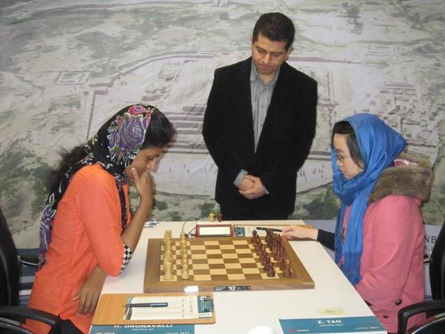 国际象棋女子世锦赛决赛第三场 谭中怡告负