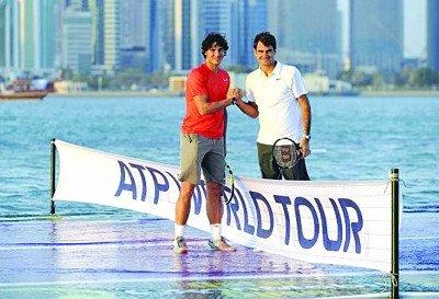 费德勒纳达尔海上打网球 球王上网分享照片(图)