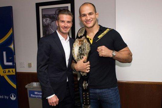 UFC冠军祝福好友贝克汉姆:他是最伟大的球员