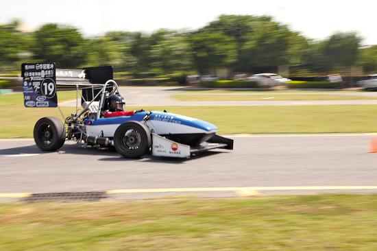 玩坏了理工男自造方程式赛车 畅享速度与激情图片
