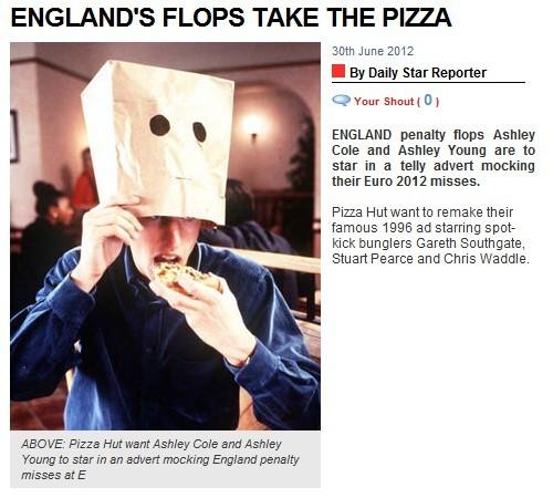 必胜客翻拍16年前广告 点球罪人带头套吃披萨