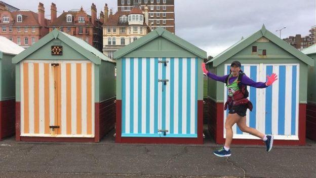 澳洲女汉子63天跑63个马拉松 为罕见病筹集善款