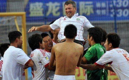 沙足亚洲杯—中国压哨扳平!点杀阿联酋夺冠