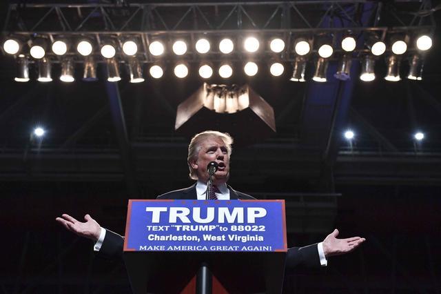 总统候选人拉票狂吹马刺 曾搞错勇士队名