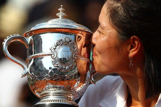 大满贯女单冠军!李娜登顶法网成亚洲第一人
