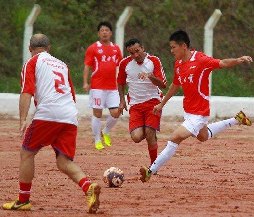 女足球队无码片_健力宝足球队重返巴西 纪录片明年1月起播出