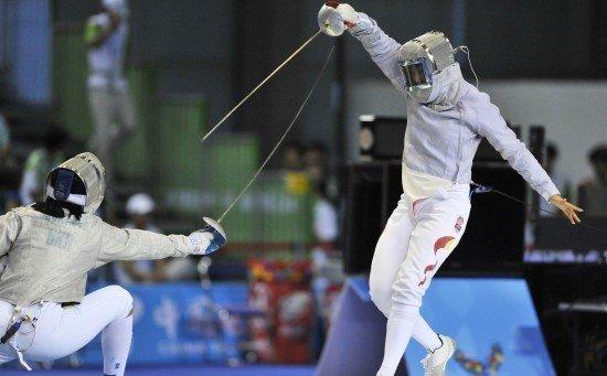 女子佩剑团体中国爆大冷 击败奥运冠军首夺金