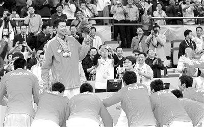 中国男篮再胜韩国七度问鼎 大郅亚运完美谢幕