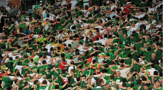 爱尔兰球迷将获颁特别奖 不离不弃感动欧足联