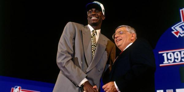 NBA官网:向KG致敬 感谢我们的篮球路上有你