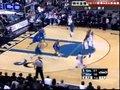 视频:小牛vs奇才 麦基强硬突破上篮命中