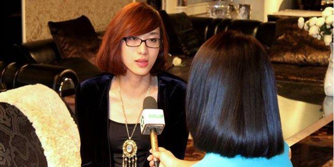 评委 著名时装之一 设计师萧菲接受旅游卫视专访