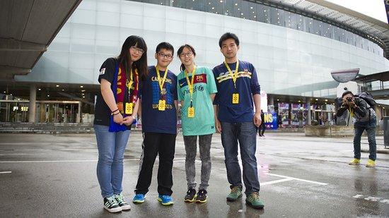 四名中国球迷见证巴萨庆典